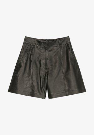 Shorts - pure black