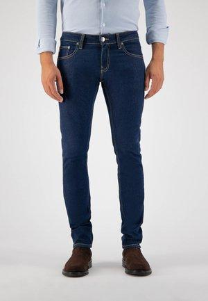 LASSEN - Slim fit jeans - strong blue
