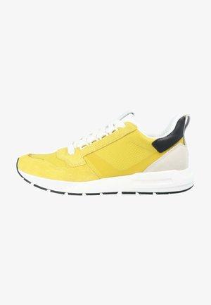 JOSEF 1D - Sneakers laag - gelb