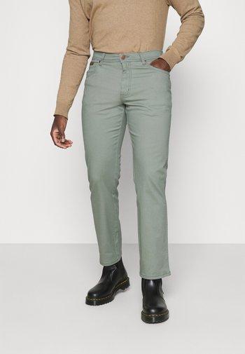 TEXAS - Straight leg jeans - wreath green