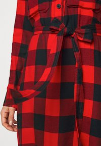 GAP Petite - UTILITY DRESS - Shirt dress - red - 6