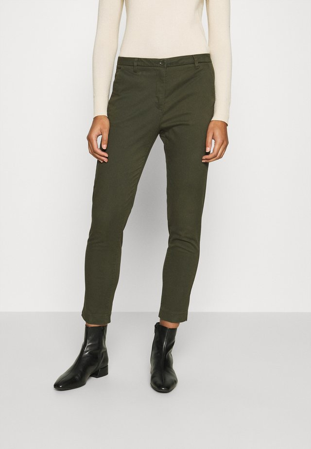 Chino - dark green
