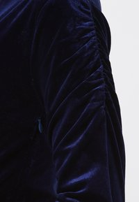 Sugarhill Brighton - WRAP DRESS BRONWYN RUCHED DETAIL - Day dress - navy - 3
