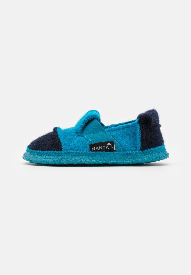 BERG - Domácí obuv - blue