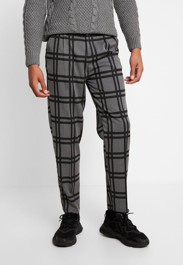 PANT - Pantalones - grey