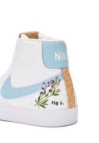 Nike Sportswear - BLAZER MID '77  - Sneakers hoog - white/obsidian/multicolor - 2