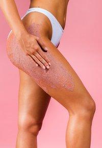 Sand&Sky - AUSTRALIAN PINK CLAY - SMOOTHING BODY SAND - Body scrub - - - 5