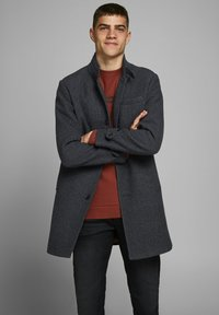 Jack & Jones PREMIUM - JPRBLAMELTON - Classic coat - dark grey melange - 0