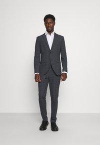 Selected Homme - SLHSLIM MYLOLOGAN SUIT - Kostym - dark grey - 0