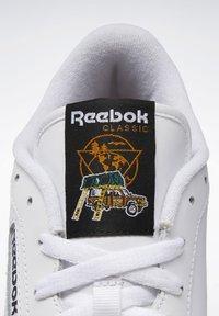 Reebok Classic - CLUB C 85 - Trainers - white - 5