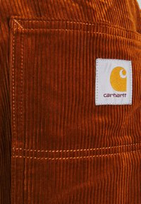 Carhartt WIP - FLINT PANT BARRINGTON - Chinos - brandy rinsed - 2