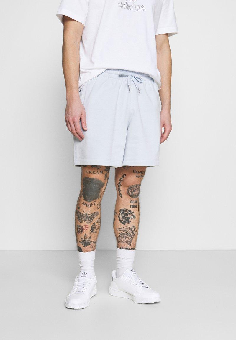 adidas Originals - PREMIUM UNISEX - Short - halo blue