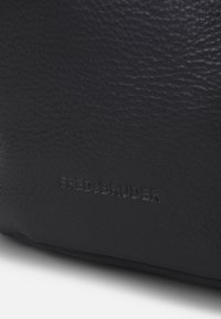 FREDsBRUDER - ZOOM - Across body bag - black - 3