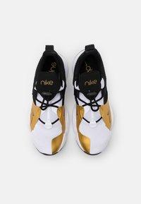 Nike Performance - SUPERREP GROOVE - Zapatillas de entrenamiento - white/black/metallic gold coin/black - 3