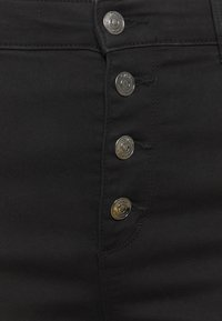 ONLY Carmakoma - CARAUGUSTA BUTTON - Jeans Skinny Fit - black - 4