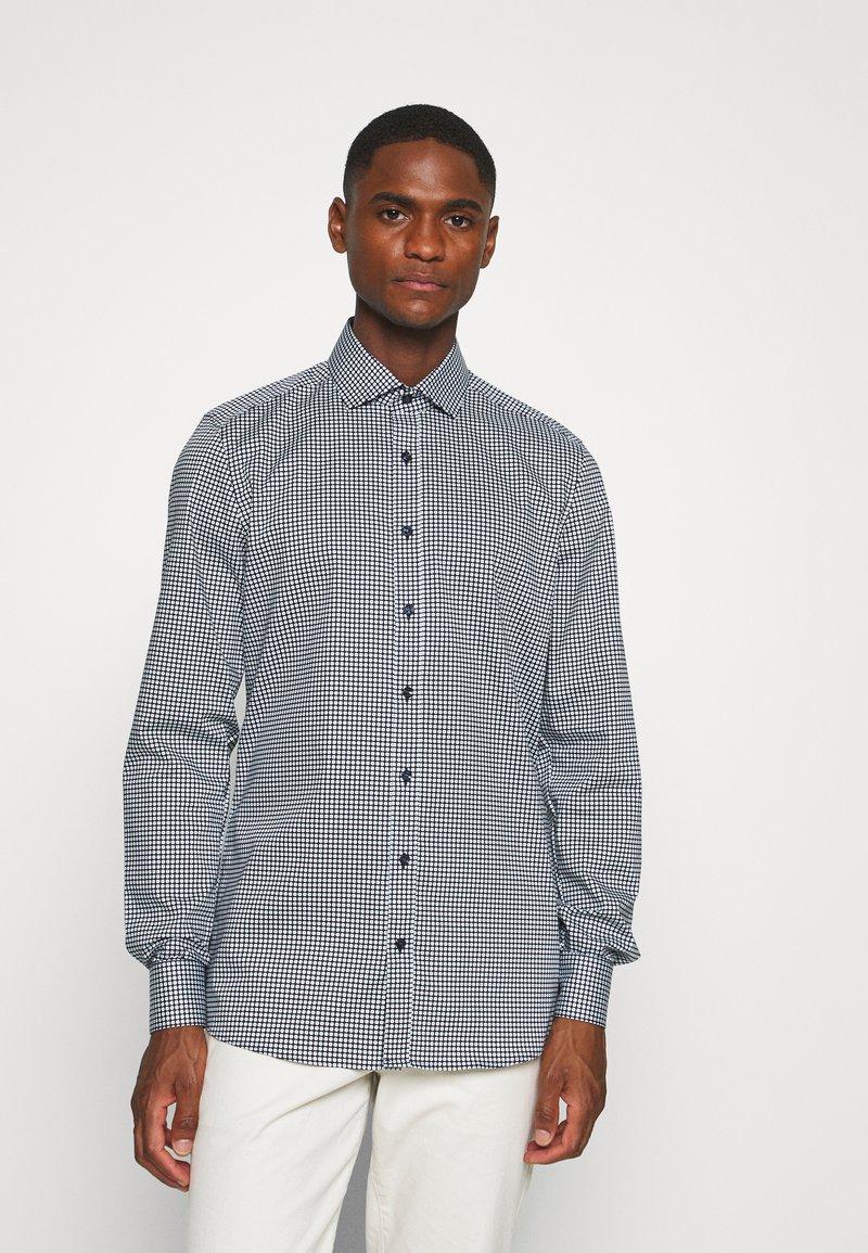 OLYMP Level Five - Level 5 - Formální košile - bleu
