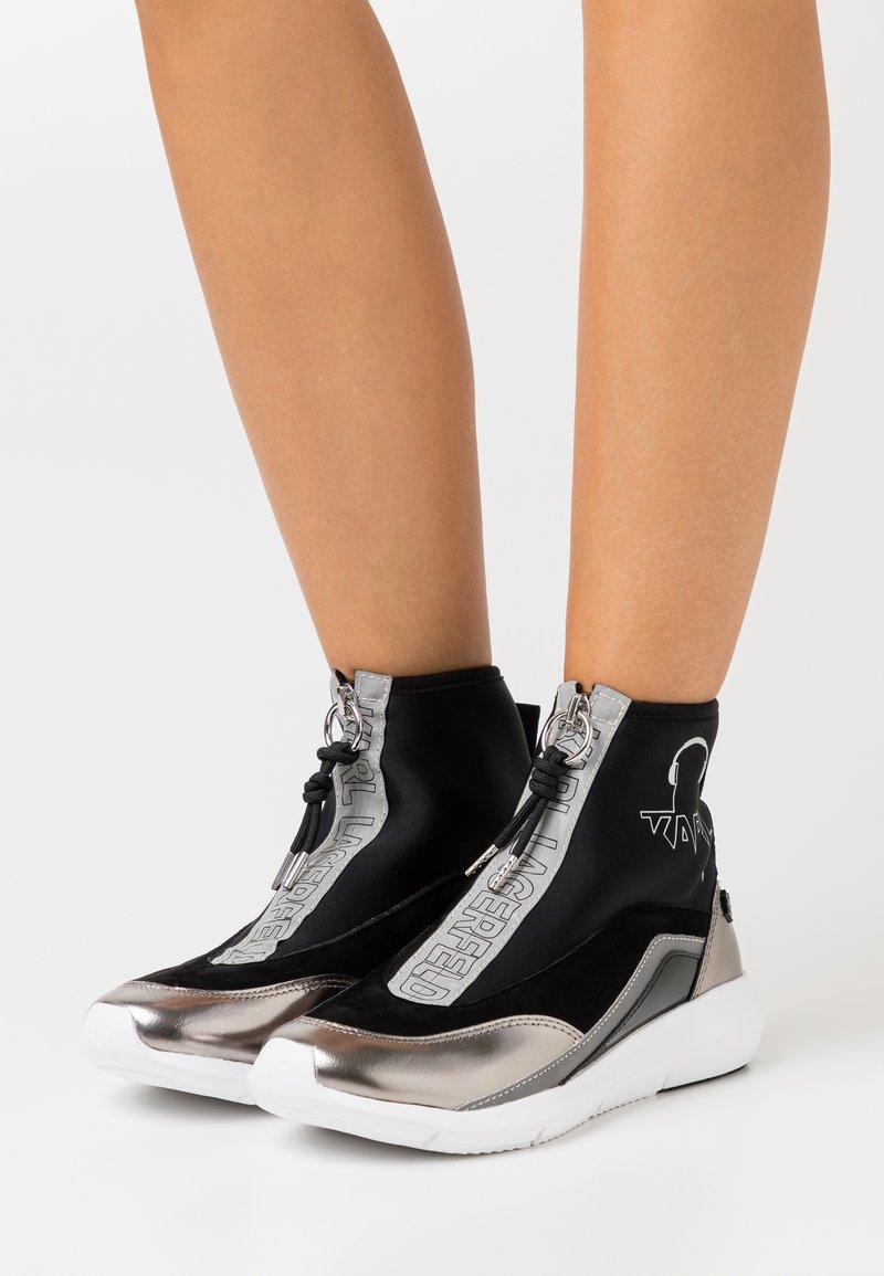 KARL LAGERFELD - VITESSE SOCK ZIP REFLECTIVE - Sneaker high - black/white/silver