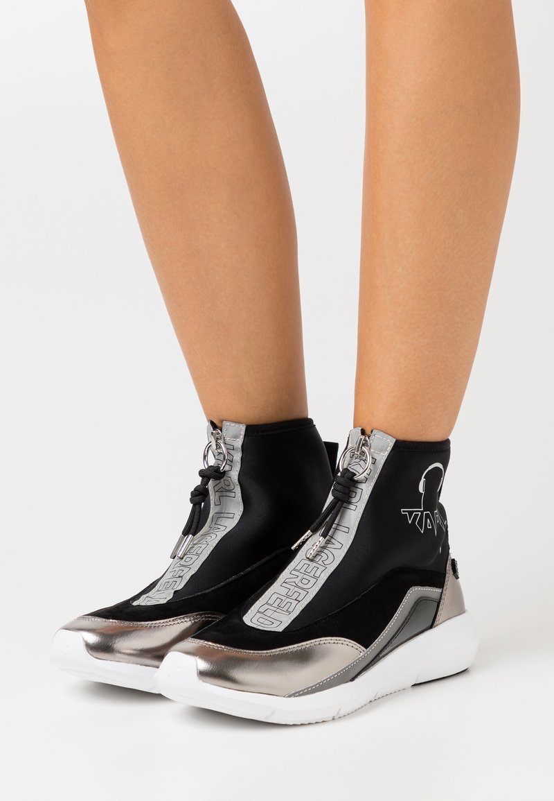 KARL LAGERFELD - VITESSE SOCK ZIP REFLECTIVE - High-top trainers - black/white/silver