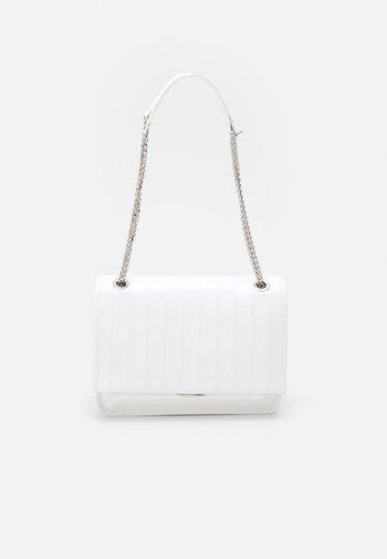 CROSSBODY BAG DAN - Across body bag - off white