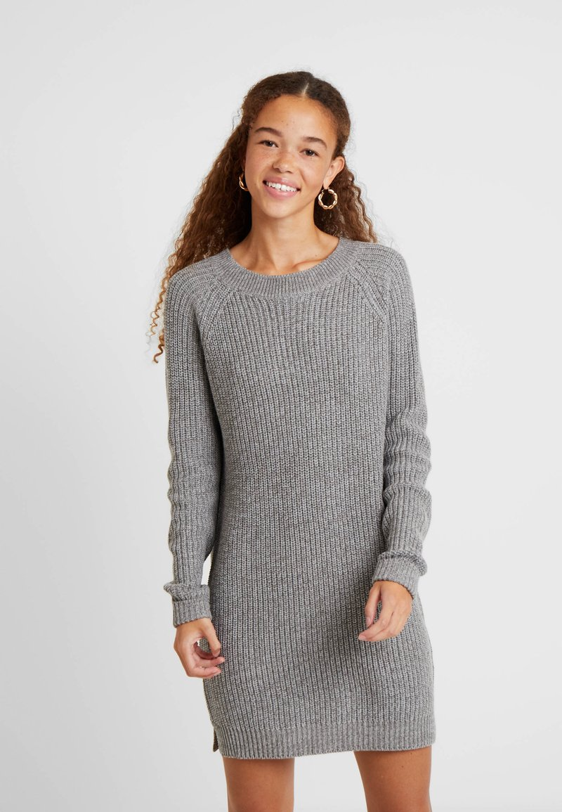 Noisy May Petite - NMSIESTA O NECK DRESS - Pletené šaty - medium grey melange