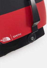 Smith Optics - CODE MIPS UNISEX - Kask - black, red - 5