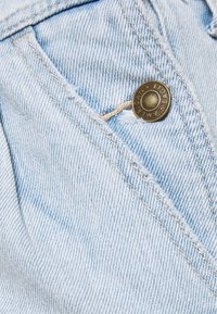 American Eagle - PLEATED MOM SHORTALL - Dungarees - blue daylight - 2