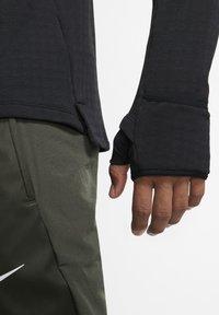 """Nike Performance - NIKE PERFORMANCE HERREN LAUFSHIRT """"THERMA SPHERE 3.0"""" LANGARM - Long sleeved top - black - 4"""