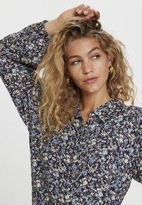 Denim Hunter - Button-down blouse - total eclipse flora print - 3