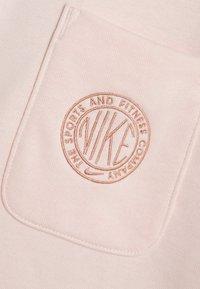 Nike Sportswear - FEMME - Mikina na zip - orange pearl/orange pearl/terra blush - 5