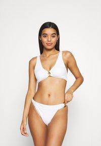 Vero Moda - VMEDDY SWIM SET - Bikini - snow white - 0