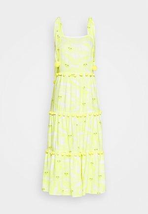 TIRED POM POM MIDI DRESS - Robe d'été - yellow