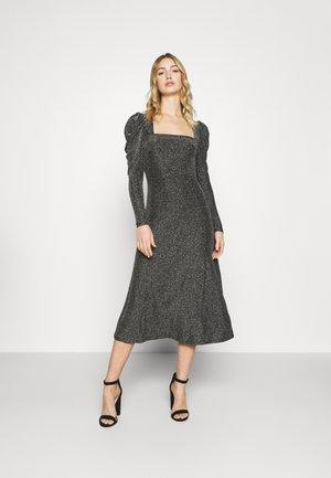 DORIT DRESS - Sukienka koktajlowa - silber/grau