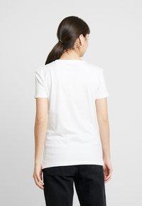 Alpha Industries - NEW BASIC - Print T-shirt - white/silver - 2