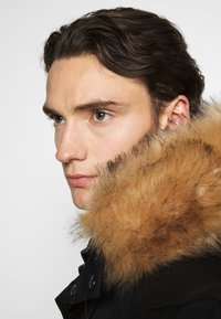 Alessandro Zavetti - ZAVETI CANADA TURVENO BOMBER - Winter jacket - black - 4