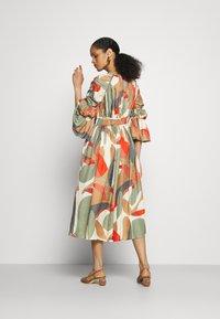 Cult Gaia - ANYSIA DRESS - Maxi šaty - light lava - 2