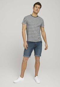 TOM TAILOR - Denim shorts - dark stone wash denim - 1