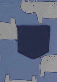 Carter's - RHINO SET - Print T-shirt - blue/red - 2
