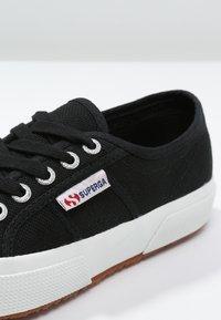 Superga - 2750 COTU CLASSIC UNISEX - Sneakersy niskie - black/White - 5