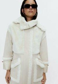 Uterqüe - Short coat - white - 4
