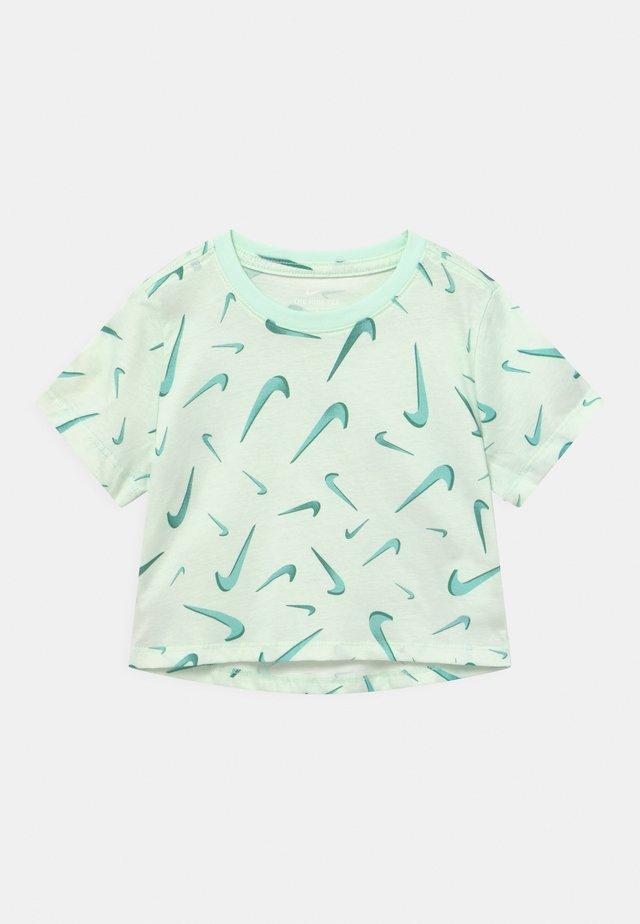 CROP - Print T-shirt - barely green