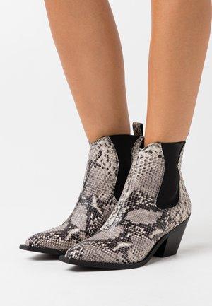 YASSORINA WESTERN BOOTS - Kovbojské/motorkářské boty - black