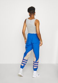 adidas Originals - BIG - Tracksuit bottoms - team royal blue/trace khaki/power pink - 2