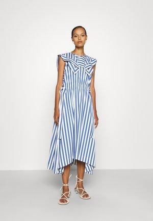 DRAPED HANDKERCHIEF COLLAR GATHERED WAIST DRESS - Day dress - blue/ivory