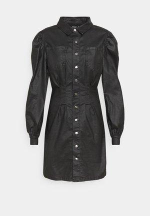 COATED CINCHED WAIST DRESS - Kjole - black