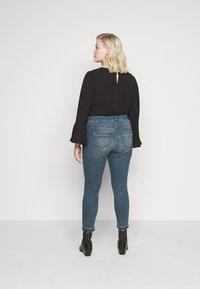 Vero Moda Curve - VMSEVEN  - Jeans Skinny Fit - dark blue denim - 2