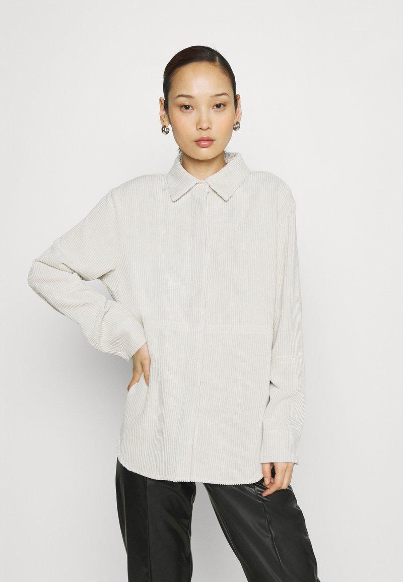 Gina Tricot - CORY - Skjorte - whitecap gray