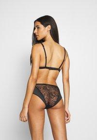 Calvin Klein Underwear - BLOOM FLORAL - Briefs - black - 2