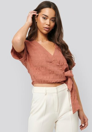 STRUCTURED OVERLAP - Blouse - pink