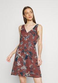 Vero Moda - VMWONDA NEW SINGLET SHORT DRESS - Day dress - rose/brown - 0