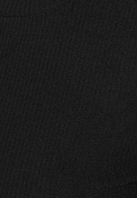 ONLY - ONLZOE MIDI DRESS  - Pletené šaty - black - 2